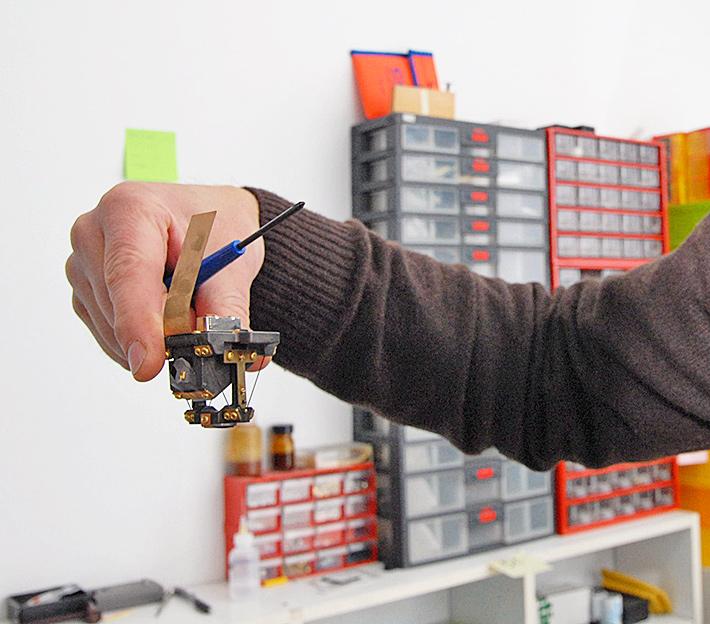 Niwelator optyczny – jak sprawdzić czy działa poprawnie cz i