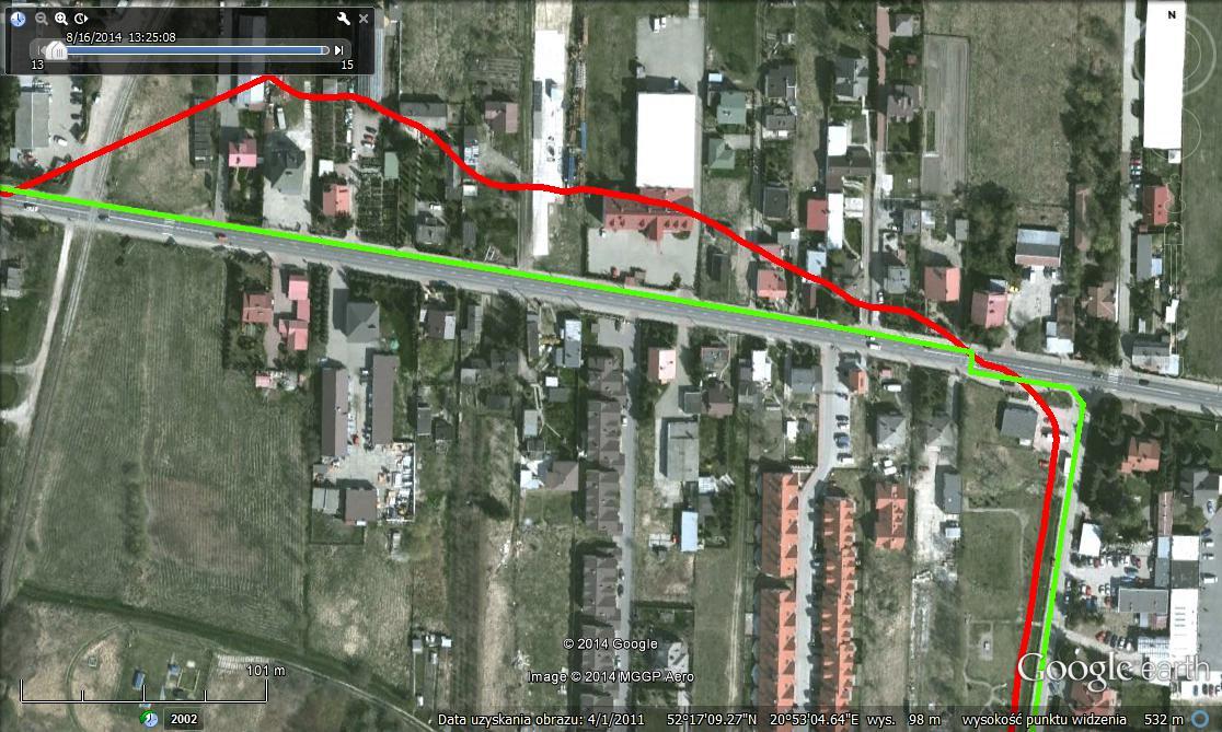 Porównanie śladu z odbiornika GPS (kolor czerwony) z rzeczywistą trasą spaceru (zielony)