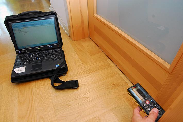 Pomiar odległości dalmierzem z Bluetooth