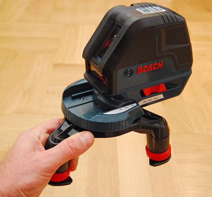 Laser krzyżowy Bosch GLL 3-50 w mini statywie