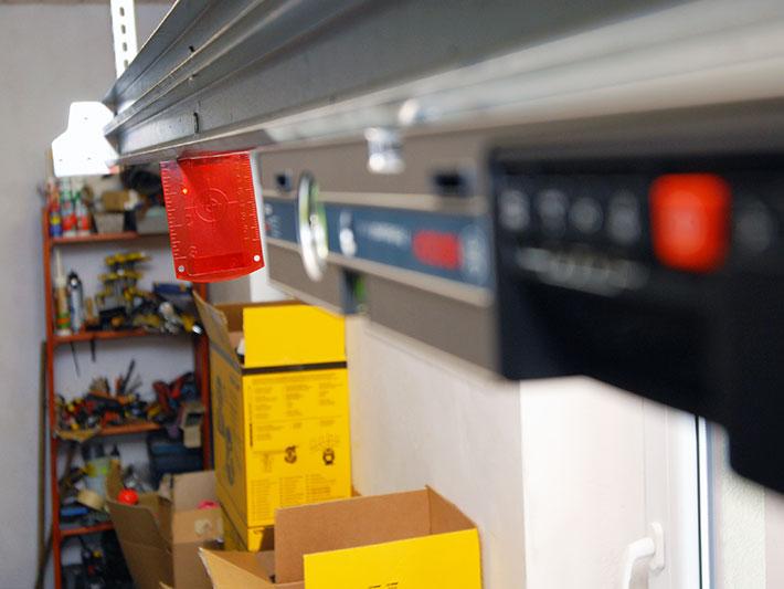 Poziomica laserowa cyfrowa Bosch GIM 60L