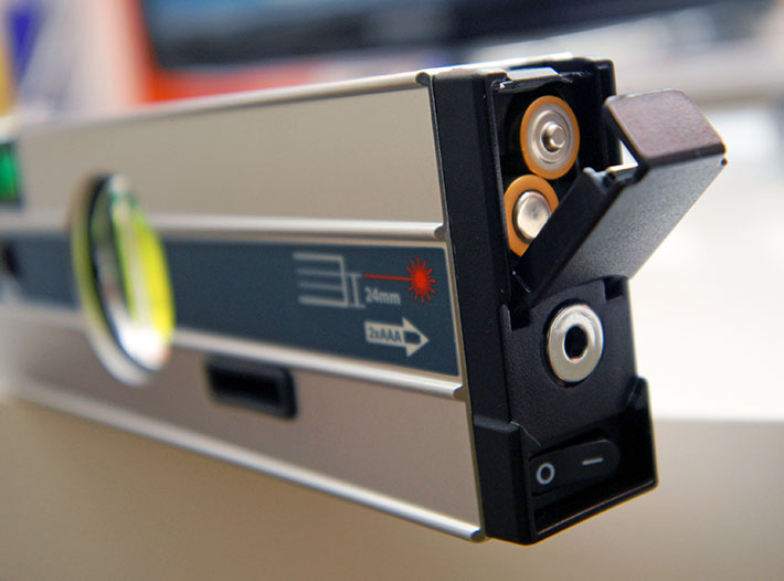 Poziomnica laserowa Bosch GIM 60L