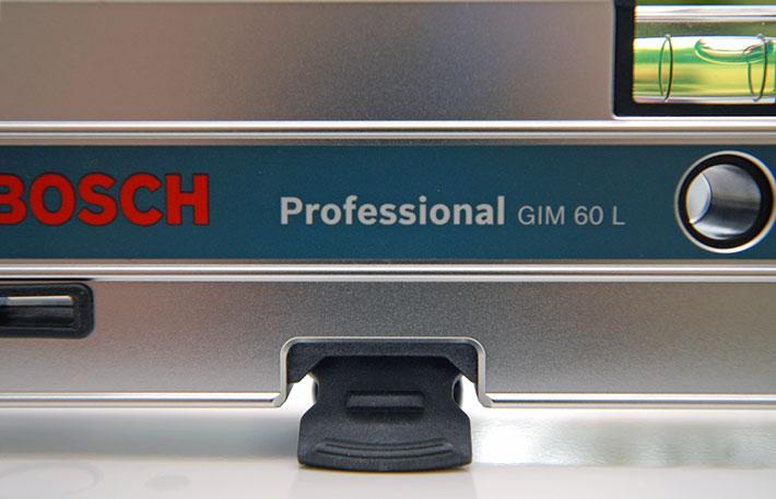 Ustawianie poziomów za pomocą poziomicy elektronicznej Bosch GIM 60 L