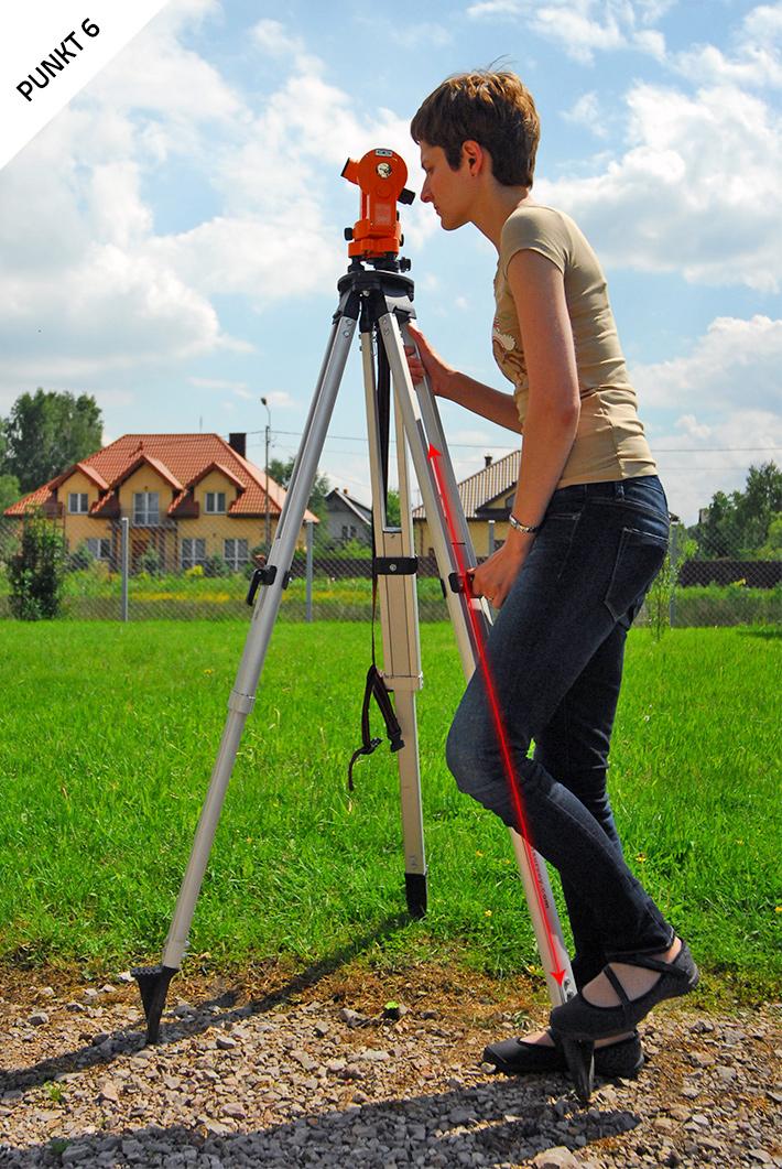 Centrowanie teodolitu optycznego