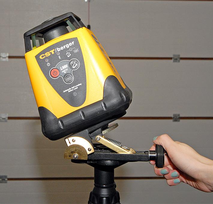 Laser rotacyjny CST/berger LMHCU na płycie uchylnej