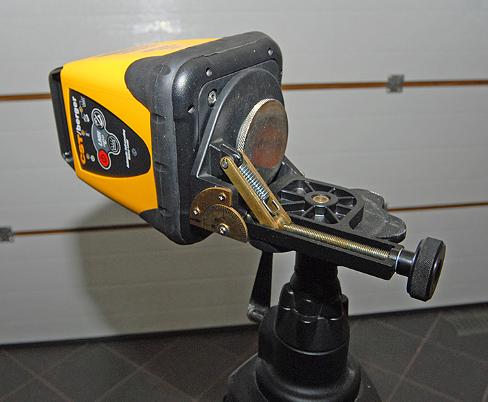 Niwelator rotacyjny CST/berger LMHCU na klinie uchylnym